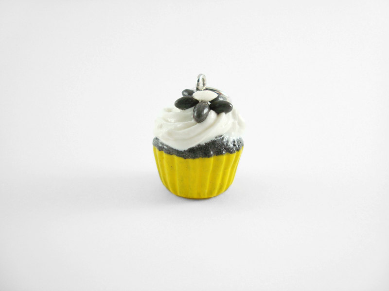 Miniature Charm Yellow Black and White Daisy Cupcake